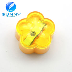 Promotional Flower Shaped Plastic Pencil Sharpener for Kids pictures & photos