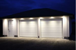 Aluminium Garage Door (40mm thick) pictures & photos