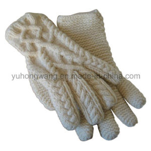 Fashion Knitted Acrylic Warm Jacquard Gloves/Mittens pictures & photos