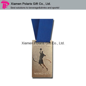 Customized Brass Metal Lapel Pin Enamel Badge for Bar Waiter pictures & photos