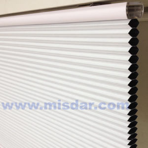 White Blackout Honeycomb Shade pictures & photos