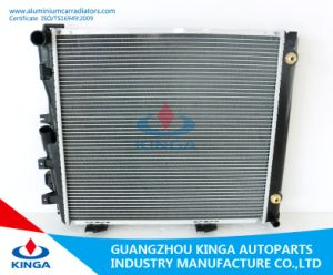Used Aluminum Auto Radiator for Benz W124/230e′84-93 at pictures & photos