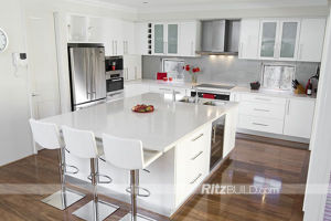European Style High Glossy White MDF Cabinet Kitchen pictures & photos