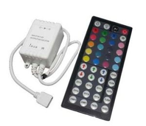 3 Channel DMX LED Controller (44-Key Infrared /RGB Controller Sw-Irc-D2 CE&RoHS) pictures & photos