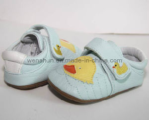 Baby Walking Shoes 145002 pictures & photos