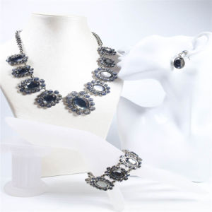 New Design Resin Crystal Stones Fashion Jewelry Set Necklace Bracelet Earring pictures & photos