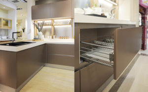 2017 High Gloss MDF Door Kitchen Cabinet (ZX-002) pictures & photos