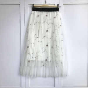 Plaid Floral Front Button Solid Color Elastic Waist Pleated Skirt pictures & photos