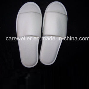 Disposable Closed Toe Hotel Slipper pictures & photos