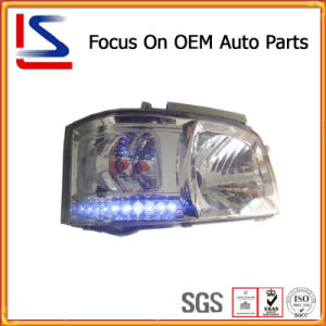 Auto / Car Parts LED White Head Lamp for Hiace ′05 pictures & photos