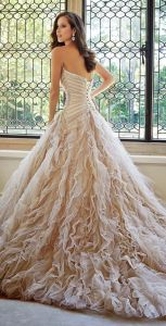 2017 Charming A Line Sweetheart Sleeveless Beaded Ruffle Hi-Lo Sparkly Sexy Wedding Dresses (HS040) pictures & photos