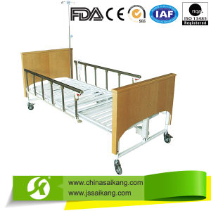 Sk006-2 Painted Wooden Hydraulic Hospital Bed (CE/FDA) pictures & photos