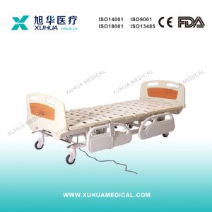 Motorized Five Functions Electric Hospital Medical Patient Bed (XH-3) pictures & photos