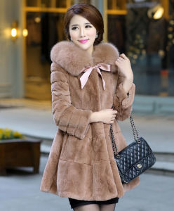 Women′s Winter Warm Rabbit Fur Coat with Fox Fur Collar pictures & photos