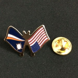 Custom Synthetic Enamel Lapel Pin pictures & photos