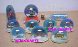 Plastic Gifts for Souvenir Snow Globe pictures & photos