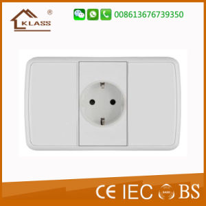 3 Pin USB Wall Sockets Electrical USB Outlets 2.1A pictures & photos
