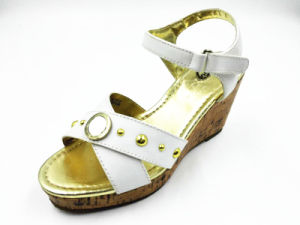 Promotional Girls Wedge Sandals for Summer pictures & photos