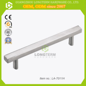 224mm Long Durable Stainless Steel Kitchen Bar Handles with Favorable Price pictures & photos