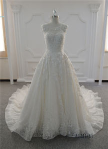 Graceful Lace Ivory A-Line Bridal Gown Dress Wedding Dresses Lace pictures & photos