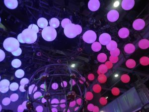 Xlighting New 8CH Magic DMX512/Master-Slave /Auto LED Ball Light Lifting Ball pictures & photos