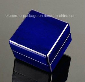2017 New Style Ring Box Deep Blue Jewellry Box Customized Wooden Box with Light pictures & photos