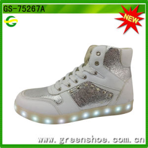 Popular Fashion LED Light up Dance Shoes (GS-75267) pictures & photos
