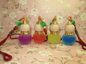 10ml New Car Glass Perfume Bottle in Gourd Shape Bottle pictures & photos