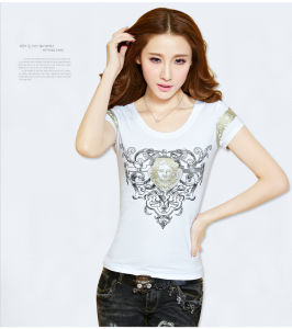 Knit Short-Sleeved Embroidery Women T-Shirt with Round Neckline pictures & photos