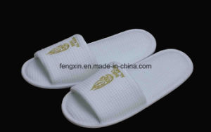 White Waffle Printing Logo Hotel Disposable Slipper Shoes pictures & photos