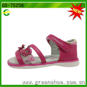 Girls Summer PU Sandals with Butterfly Flower pictures & photos