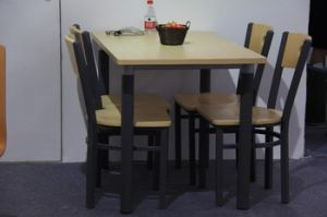 4 Person Heavy-Duty Dining Table and Chairs pictures & photos
