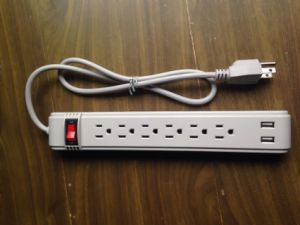6 Way Vertical Outlets Power Strip with 2 USB Port pictures & photos