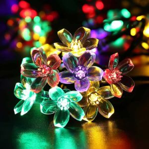 2016 Newest Flower Shape Solar-Powered Decoration Christmas Light pictures & photos