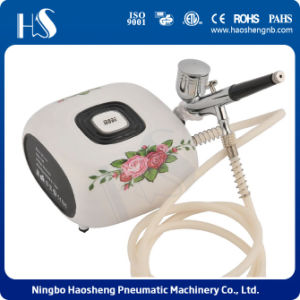 Mini Portable Make up /Cake Decorating/Nail Tattoos Airbrush Compressor Kit pictures & photos