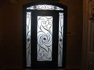 Modern Design Iron Door with Eco-Friendly Recycled Tempered Glass (UID-S060) pictures & photos
