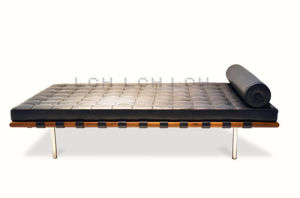 Classic Furniture Modern Leisure Bed pictures & photos