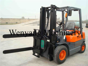 2ton China Forklift with 360 Degree Rotator Fork LPG Forklift pictures & photos