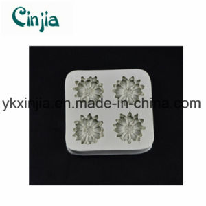 Four Flower Small Chrysanthemum Sugar Silicone Cake Mould pictures & photos