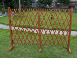 Expanding Wooden Garden Growing Climbing Plant Fence Panel Trellis pictures & photos