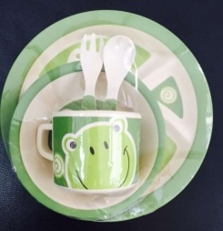 Eco-Friendly Bamboo Kids Tableware Set pictures & photos