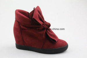 Bowknot Decoration Fashion Ankle Boots Lady Shoes with Wedge Design pictures & photos