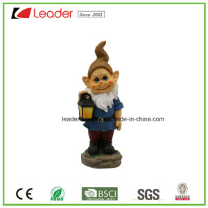 Polyresin Funny Garden Gnome Sitting on The Mushroom and Holding Flower for Lawn Decoration pictures & photos