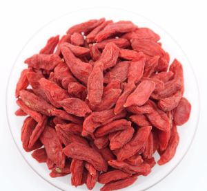 Weight Loss Fruit--Ningxia Wolfberry (Goji berries) pictures & photos