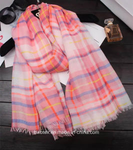 Classical Red Check Woven Linen Cotton Fashion Scarf (HWS41) pictures & photos