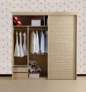 Classic Solid Wood Wardrobe with Sliding Door (AGW-013) pictures & photos
