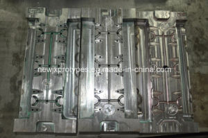 Precision Plastic Prototype Fabrication/High Quality Plastic Injection Mold pictures & photos
