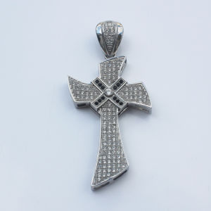 Fashion Jewelry Stainless Steel Zircon Cross Pendant for Men pictures & photos