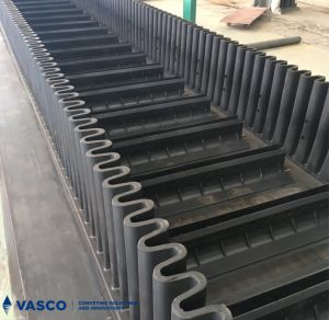 Hot Sale Corrugated Sidewall Conveyor Belt for Steep Inclination Angle pictures & photos