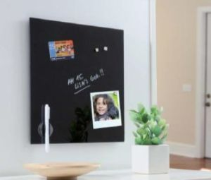 Black Frameless Wall Mounted Glass Whiteboard pictures & photos